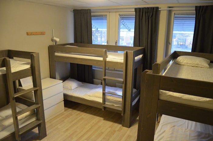 6-bäddsrum/familjerum med delat badrum