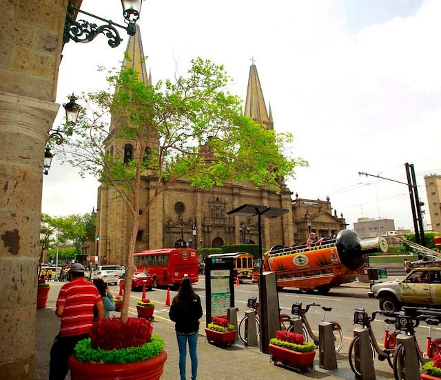 Stay + Tour: Guadalajara-Tonala-Tlaquepaque
