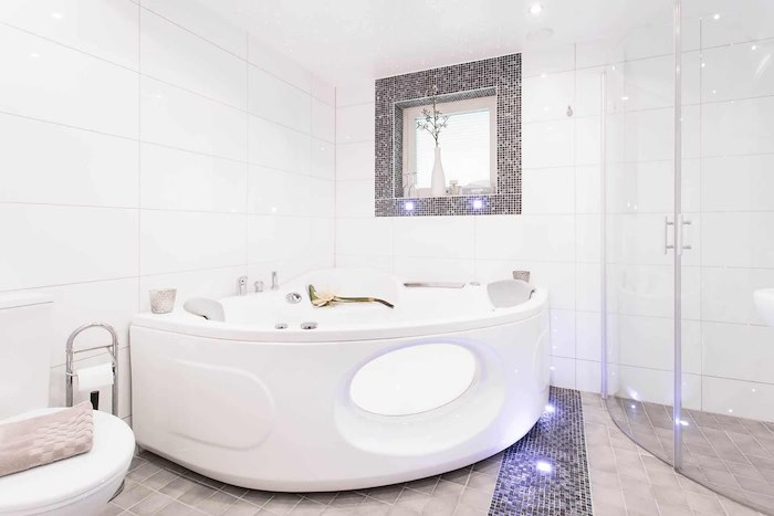 Double room with private jacuzzi